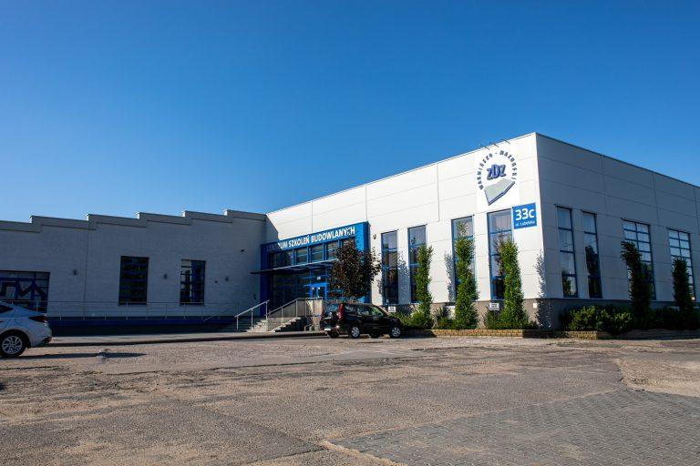 Centrum Szkoleń Budowlanych ZDZ w Olsztynie: kotłownia gazowa, gruntowa pompa ciepła, instalacje sanitarne