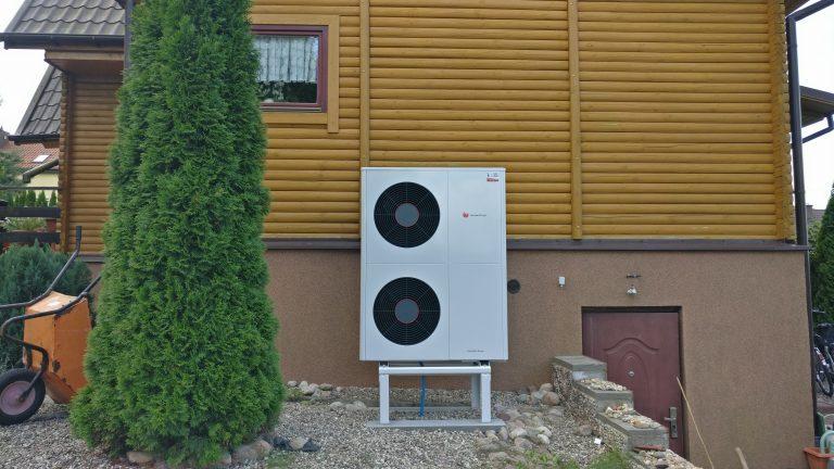 Budynek mieszkalny w Łukcie: wymiana kotła na powietrzną pompę ciepła